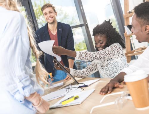 Conheça 29 expressões em inglês que podem te ajudar em uma reunião